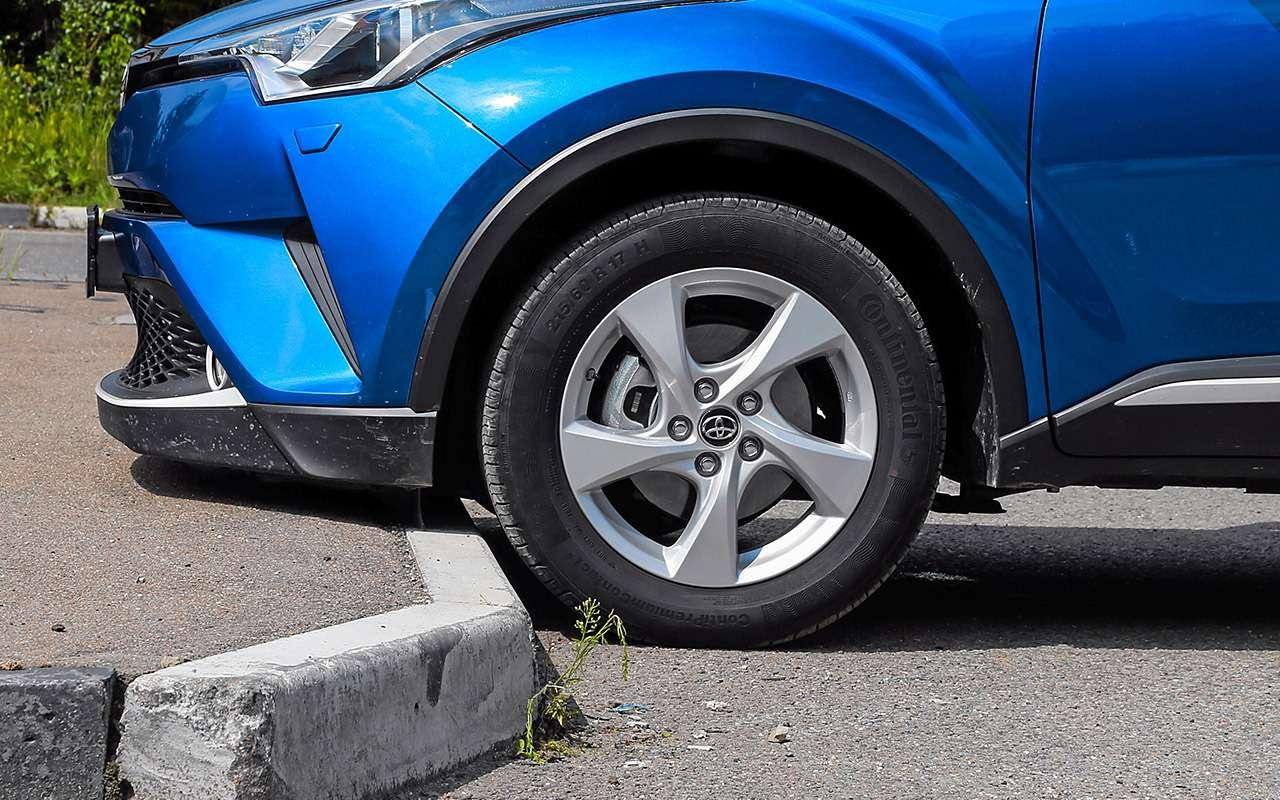 Toyota C-HR против других японских кроссоверов— большой тест-драйв— фото 902419