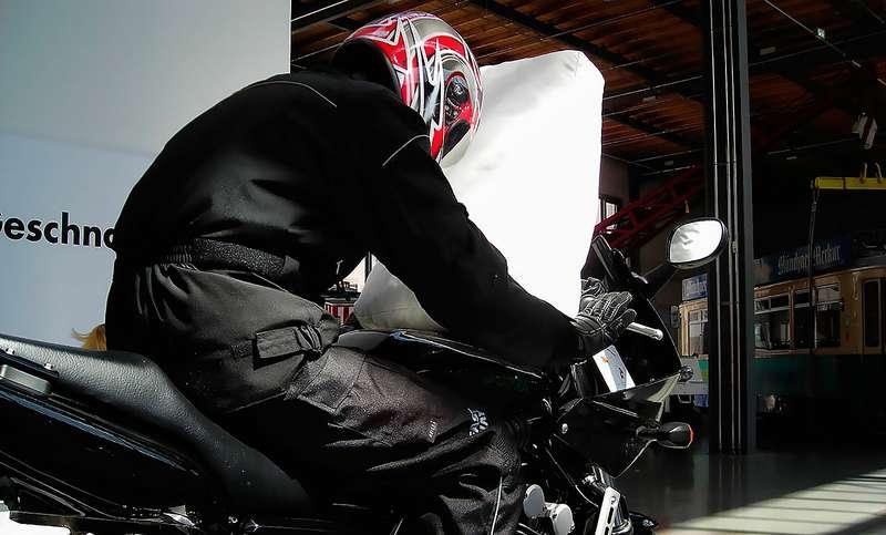 Мотоциклетная воздушная подушка безопасности
