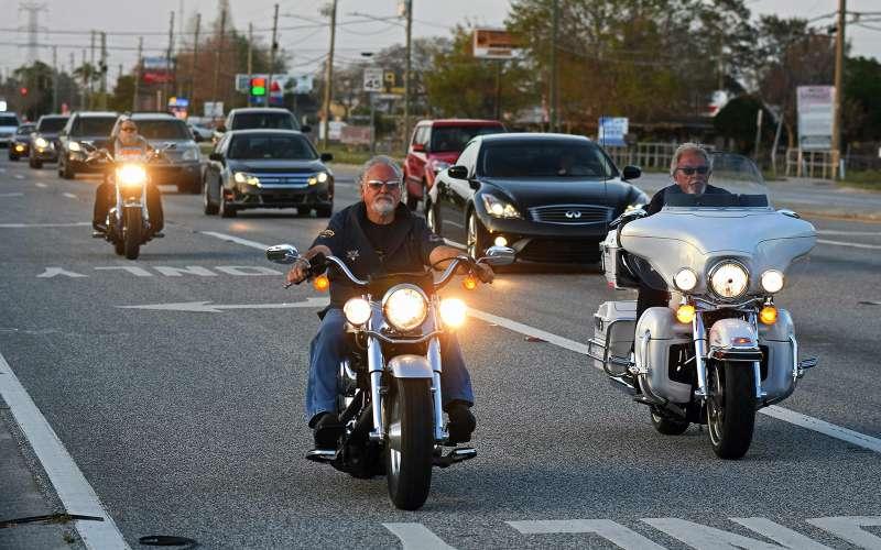 мотоциклисты без шлема