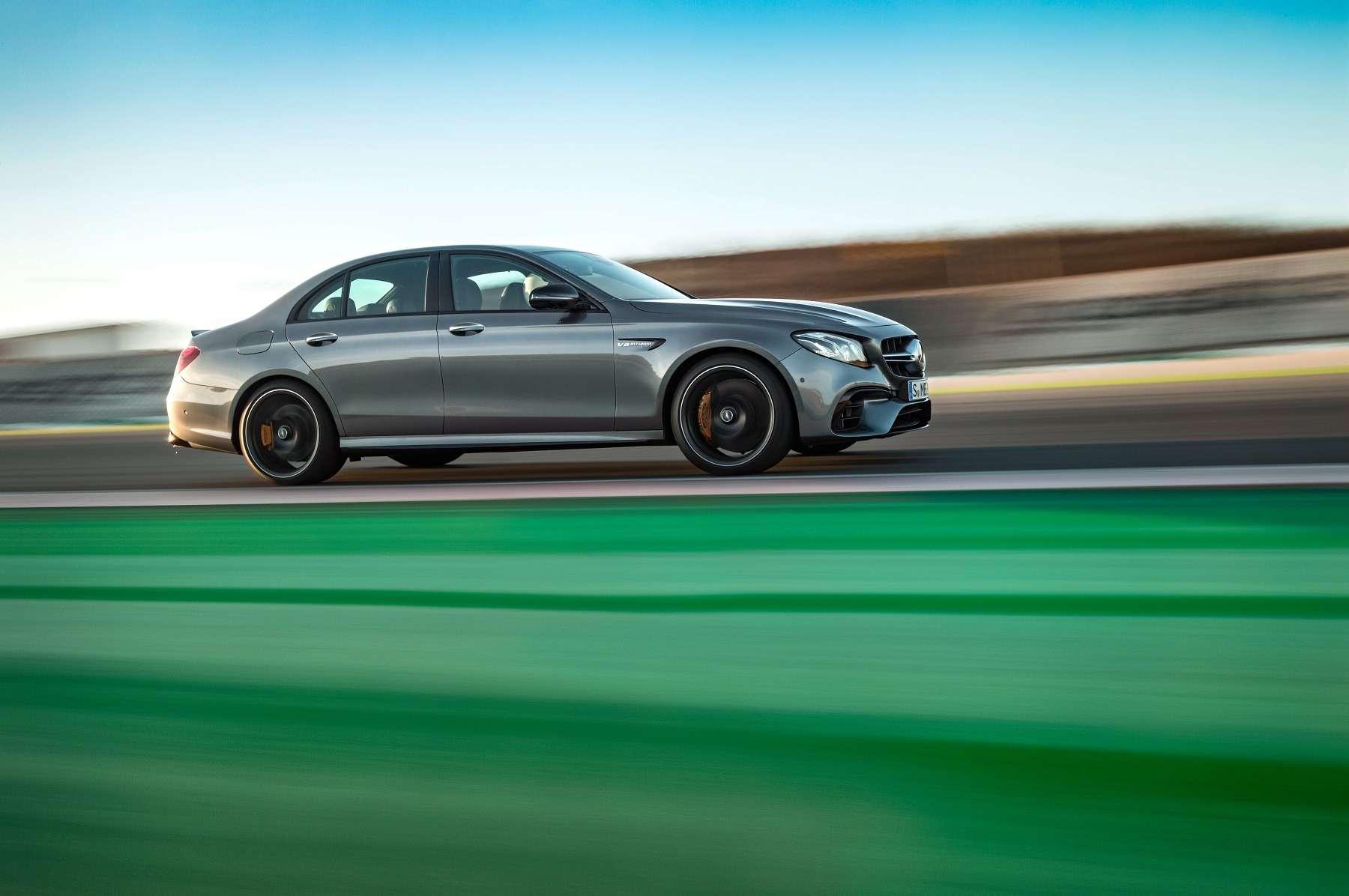 «Волк» нового века: Mercedes-AMG показал суперседан E63нового поколения— фото 654297