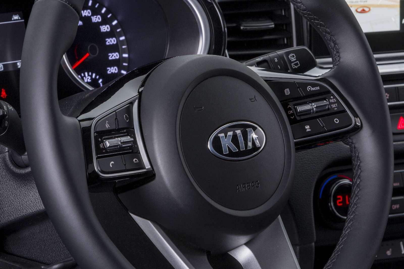 Новый Kia Ceed: хэтчбек сейчас, сюрприз потом— фото 845386
