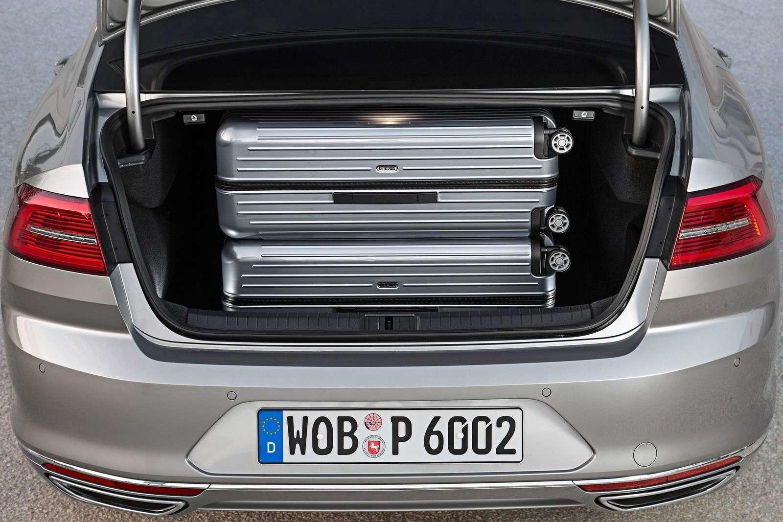 Volkswagen-Passat_2015_1600x1200_wallpaper_45