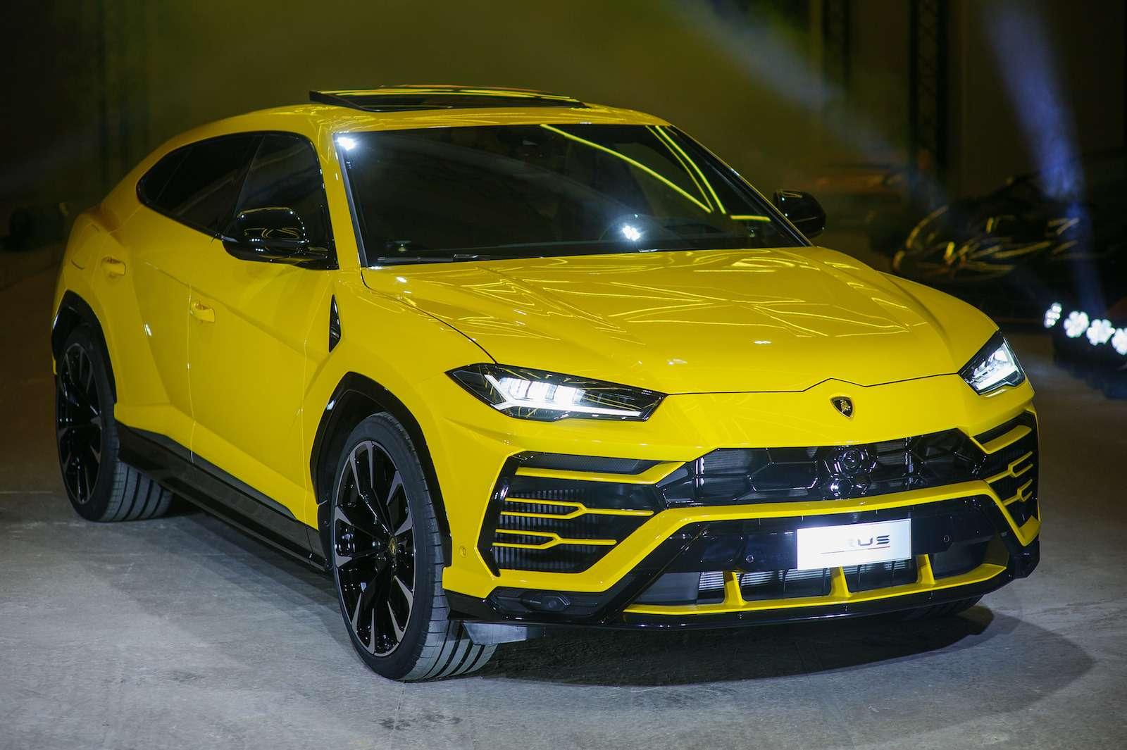 Lamborghini привезла вРоссию автомобиль, который небоится «лежачих полицейских»— фото 845784