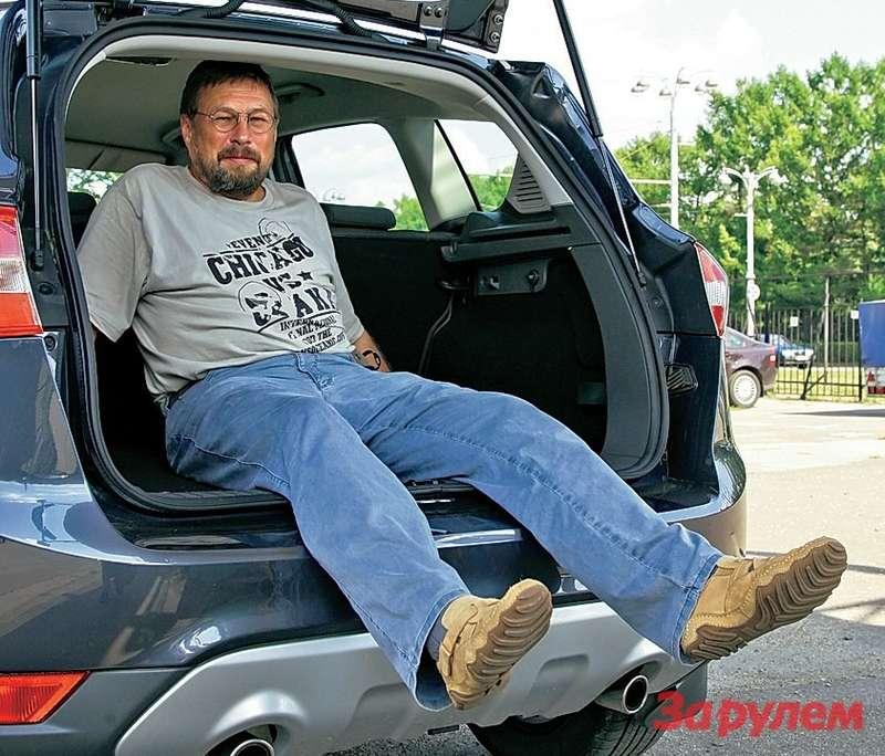 В пассажирском варианте багажник кроссовера невелик.