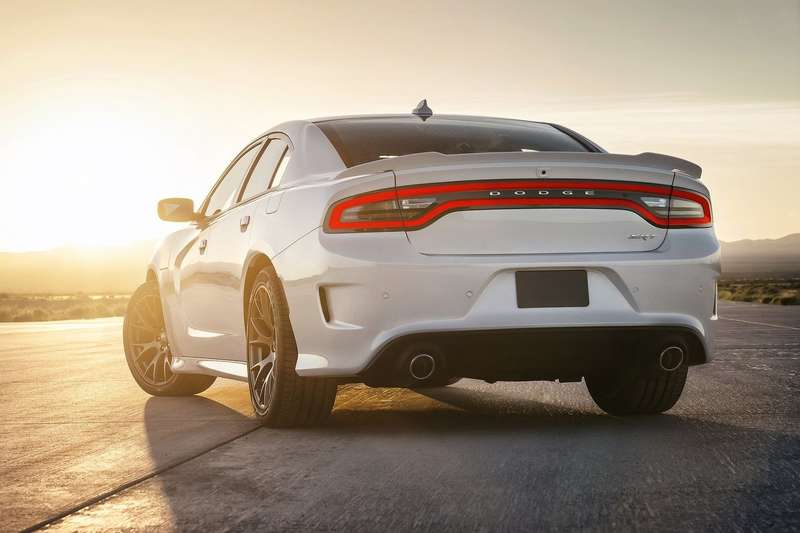 Dodge-Charger_SRT_Hellcat_2015_1600x1200_wallpaper_2a