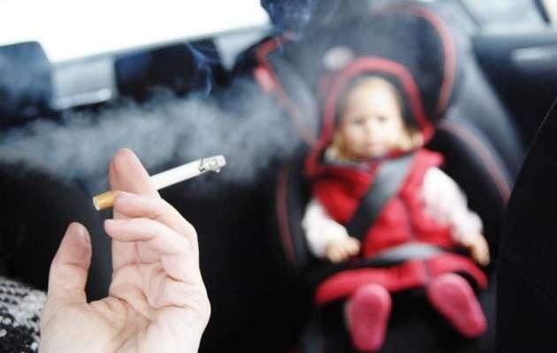 Парламент Великобритании запретил курение вавтомобилях при детях