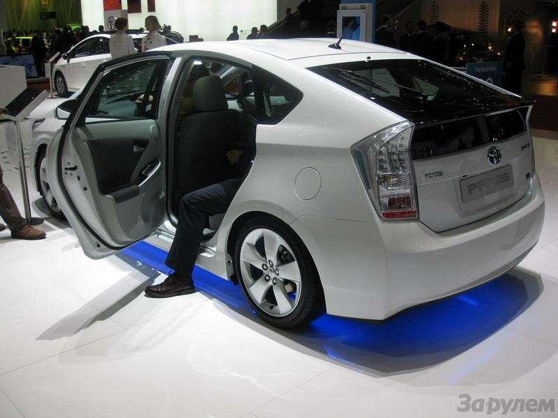 Toyota Prius III: Наголодном пайке— фото 92535