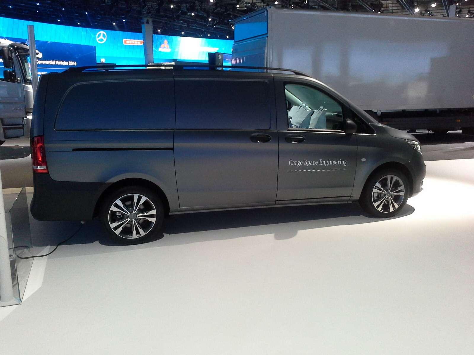 Концепт Mercedes-Benz Vision Van