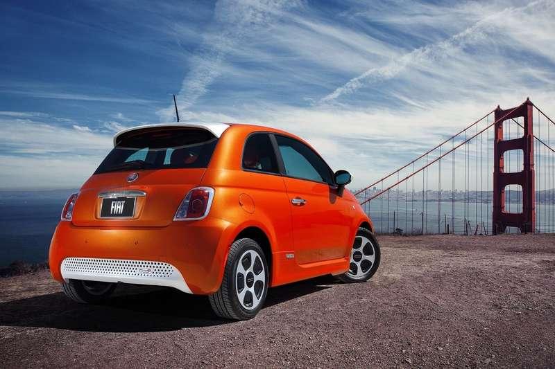 Fiat-500e_2014_1600x1200_wallpaper_09