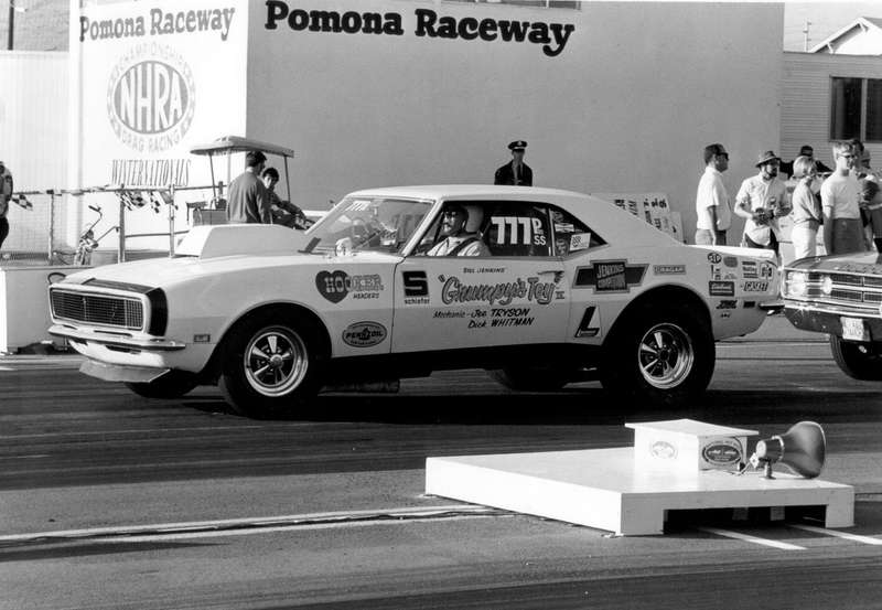 Пилот Билл Дженкинз выиграл наCamaro первые гонки NHRA Pro Stock вгороде Уинтернэшнл в1970 году. Pro Stock— это гонки дрэгстеров, построенных наоснове серийных моделей или выглядящих, как они, так называемых «фабричных хот-родов». С1965по 1975год Дженкинз выиграл 13гонок чемпионата National Hot Rod Association
