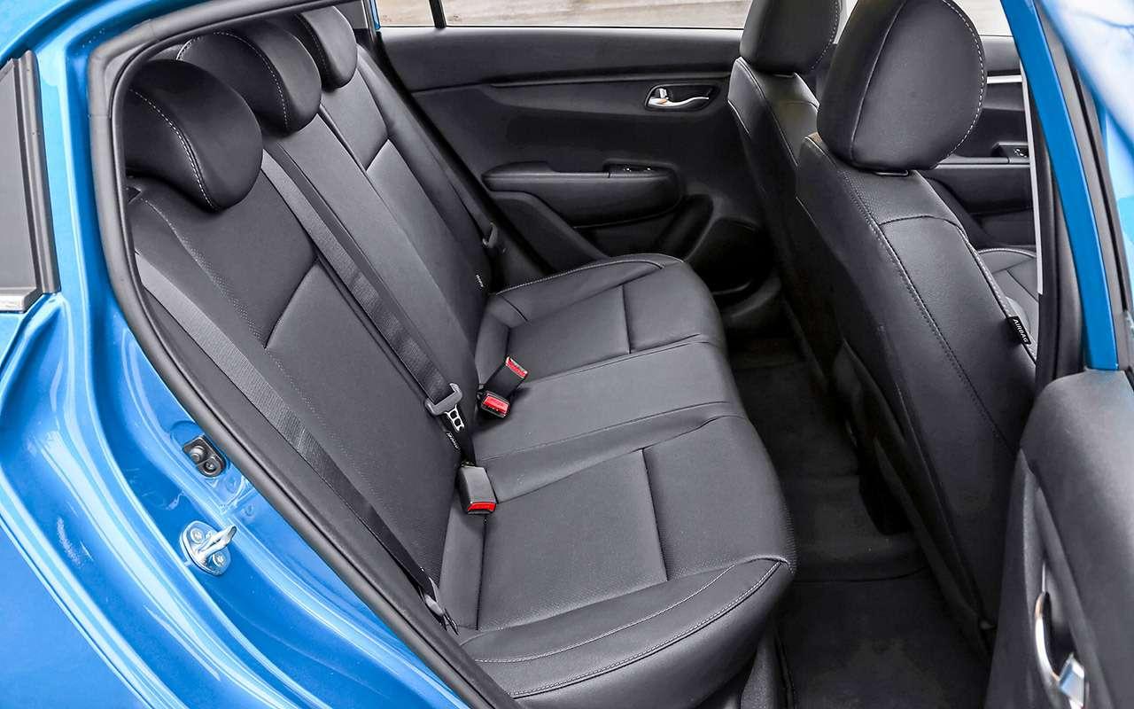 KiaRio X— тест последнего (почти) хэтчбека вВ‑классе— фото 1211291