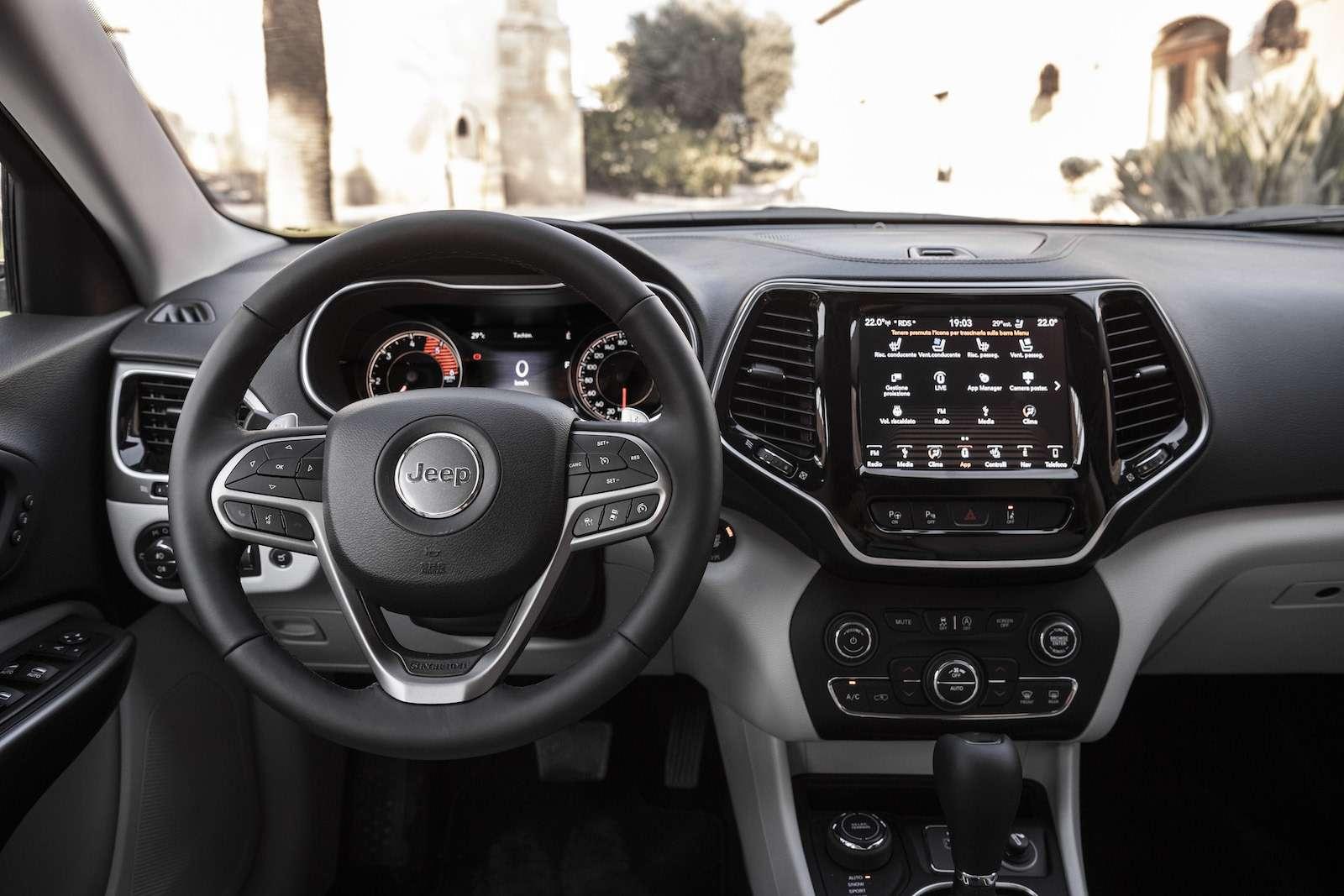Jeep Cherokee 2019: первый тест-драйв— фото 910003