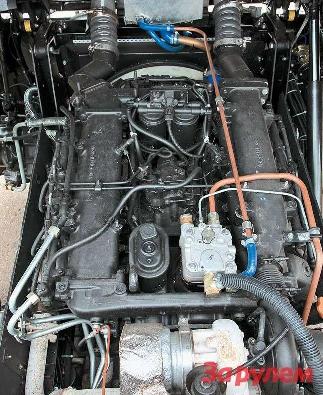 Подкорейской кабиной— «камазов- ский» мотор содной турбиной 420л. с.