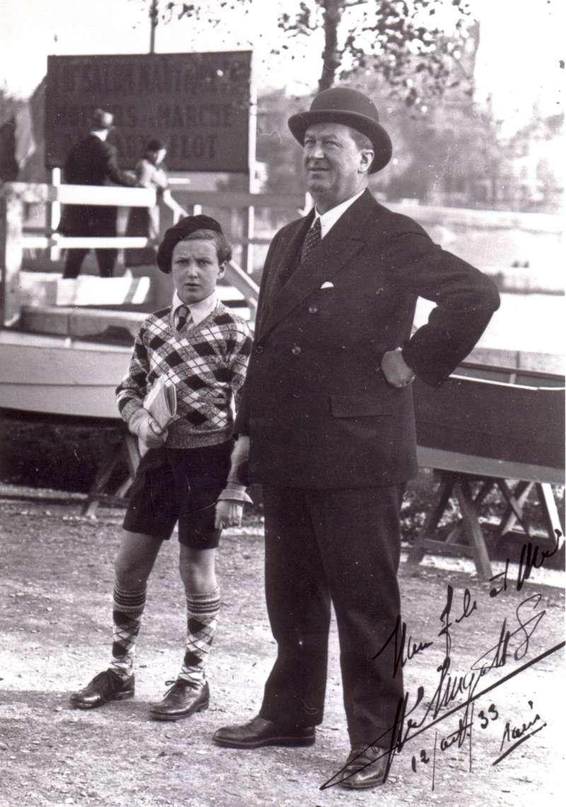 Этторе Бугатти иего младший сын Ролан нагонках. 12августа 1933 года