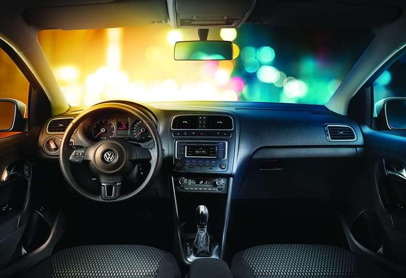 Volkswagen_Polo_Sedan_no_copyright