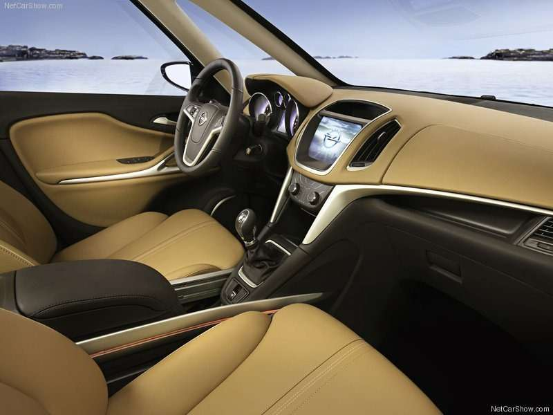 Opel-Zafira_Tourer_Concept_2011_800x600_wallpaper_07