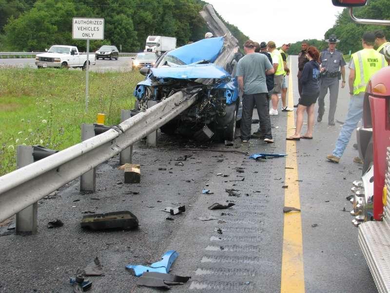 Непристегнутый ремень спас жизнь водителю