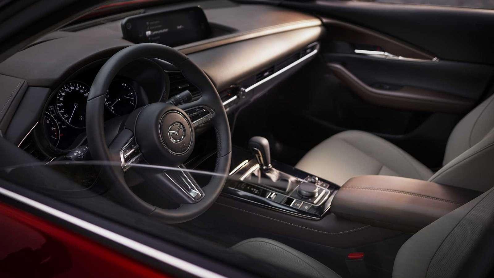 Mazda показала новый кроссовер— ждем его вРоссии— фото 954633