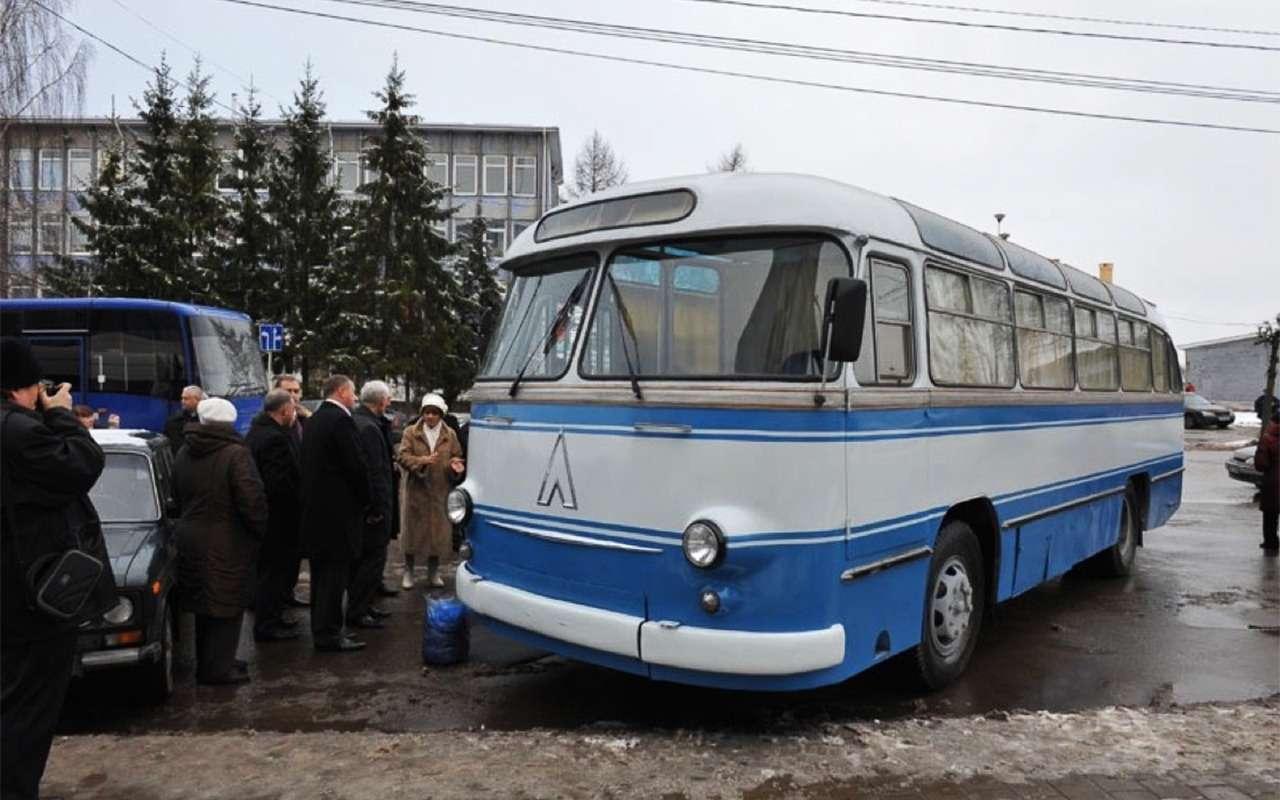 Автомобили, накоторых ездили первые космонавты— фото 860230