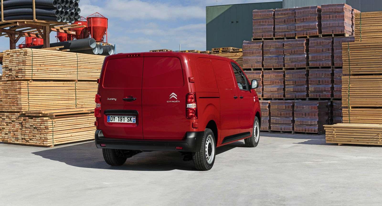 Новые Peugeot Expert иCitroen Jumpy приедут вРоссию вэтом году— фото 691288