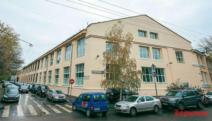 Последам московского автопрома: от«Бромлей» до«Москвича»— фото 260361