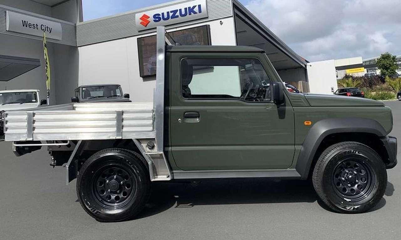 Suzuki Jimny превратили впикап— фото 1093151
