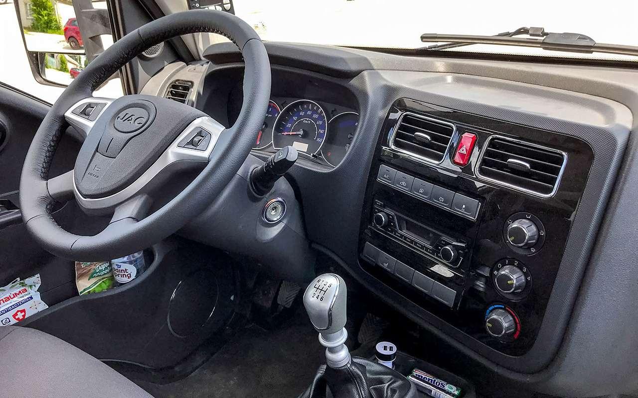 Новый китайский грузовик: сравнили его снашим Соболем— фото 1273569