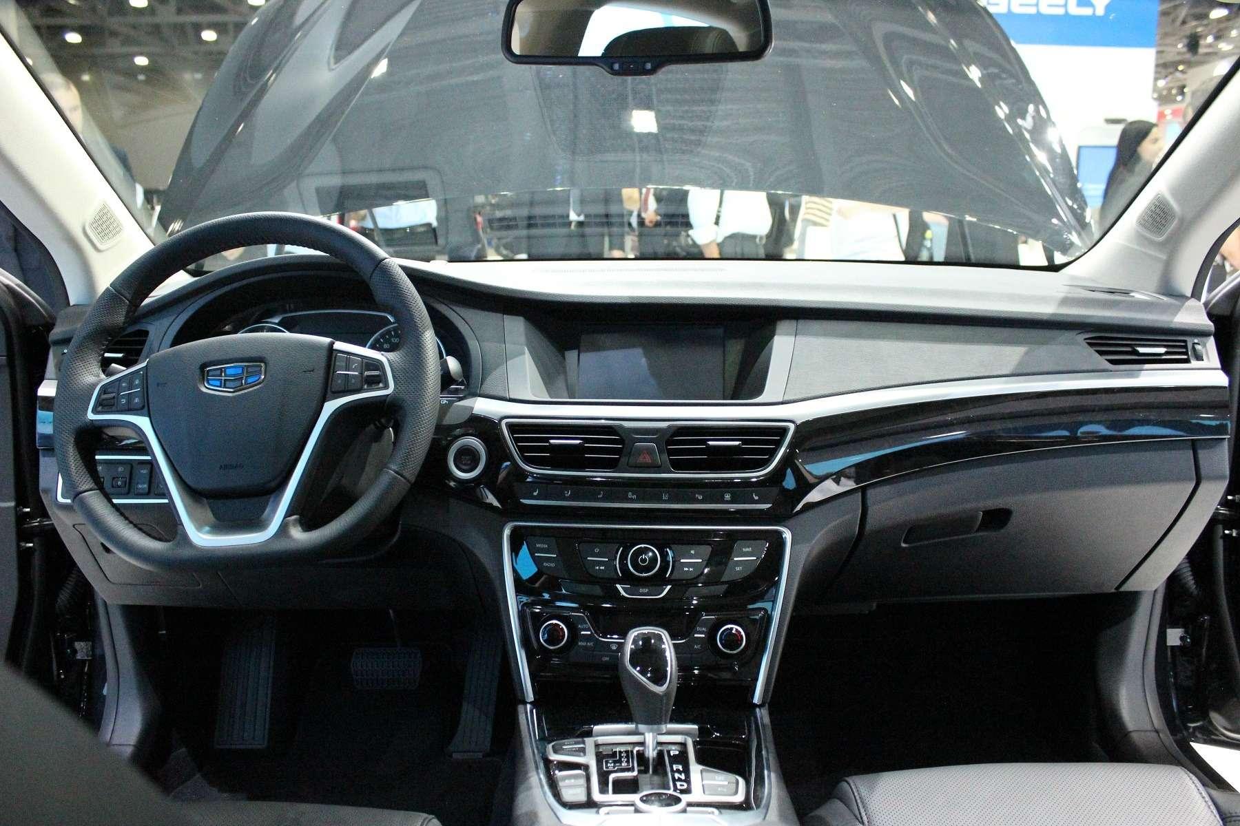Великолепный странник: наМосковском мотор-шоу показали седан Geely Emgrand GT— фото 623944