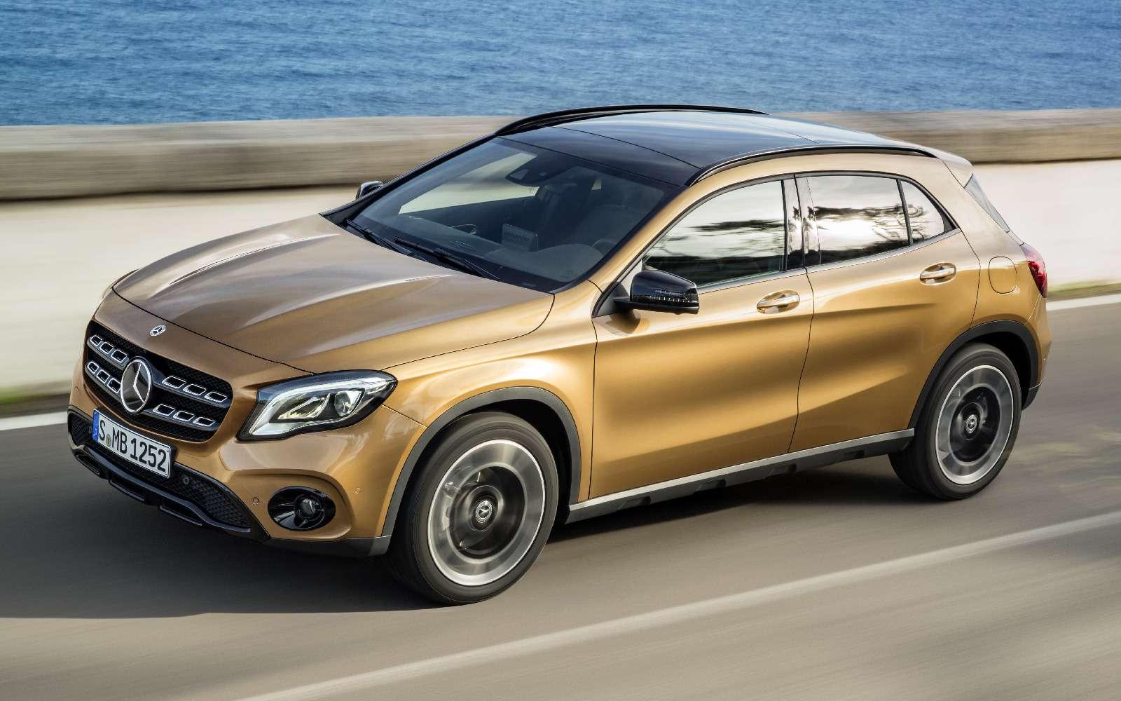 Mercedes-Benz GLA стал краше, нонепросторнее— фото 690070