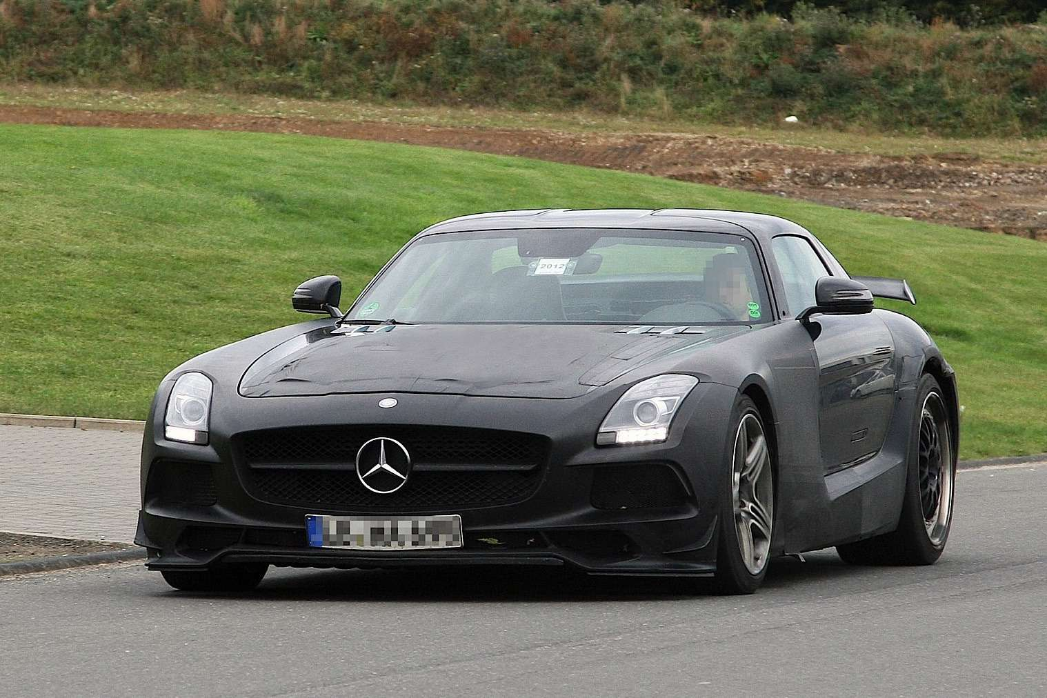 Mercedes-Benz SLS AMG Black Series test prototype side-front view_no_copyright