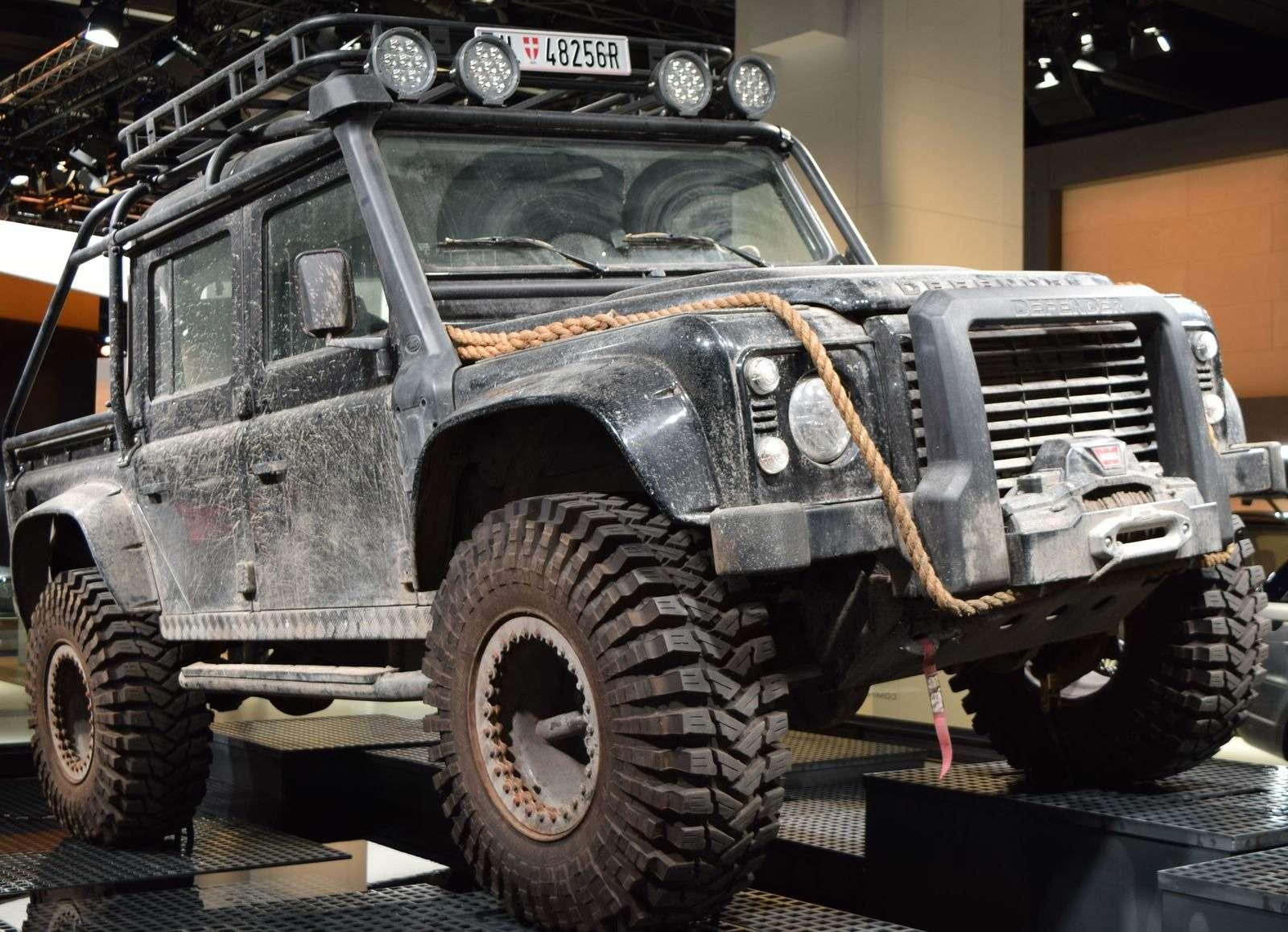 Jaguar Land Rover показал автомобили изнового фильма оДжеймсе Бонде— фото 390912