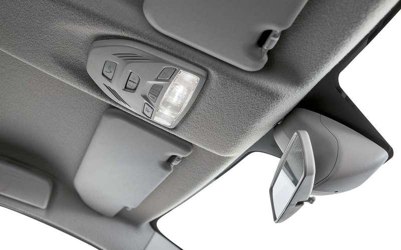 Новый дефект Lada Vesta: облезает кнопка «SOS»