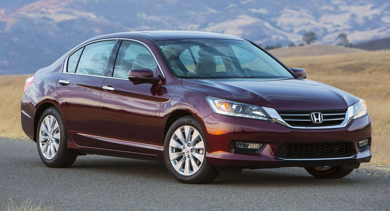 2016-Honda-Accord-VS-2015-2