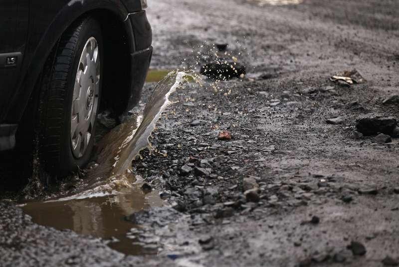 Potholes InThe Roads Surrounding Glasgow