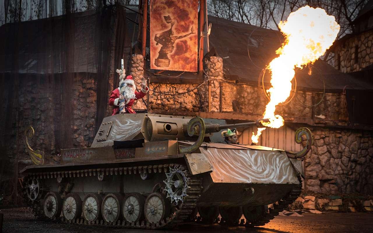 ДедМороз, Санта-Клаус иПер-Ноэль— весь ихгараж!— фото 826661