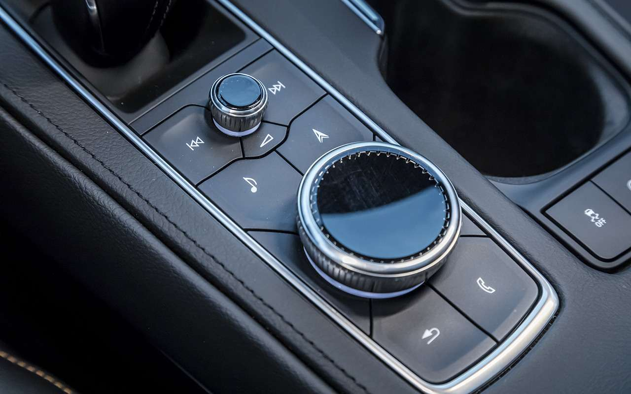 Cadillac XT4: первый тест-драйв «бейби-Кадиллака»— фото 905660