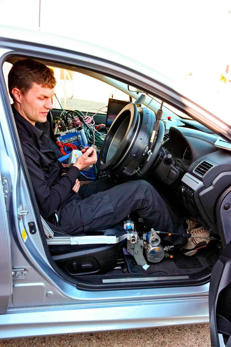 Потормозному следу: испытания систем автоторможения