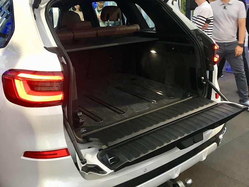 Абсолютно новый BMW X5всплыл вМоскве. Задолго доофициальной премьеры!