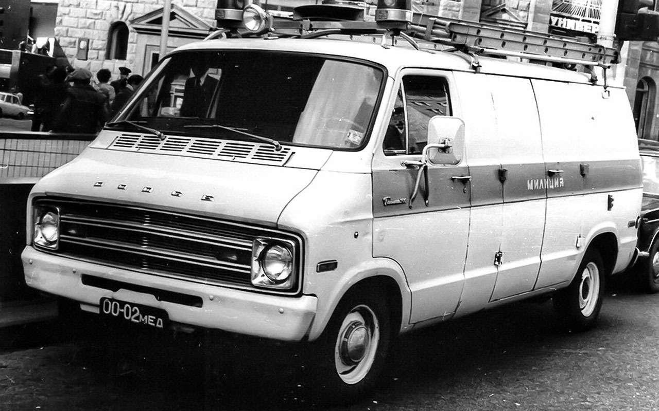 Dodge Tradesman вмилицейском окрасе