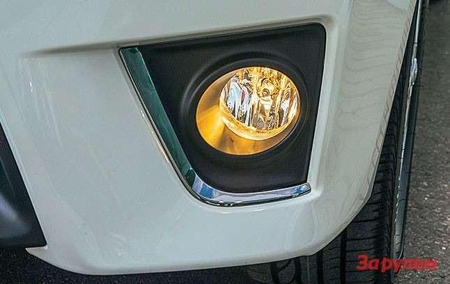 Toyota Corolla Противотуманные фары— роскошь, доступны только сверсии «Комфорт».