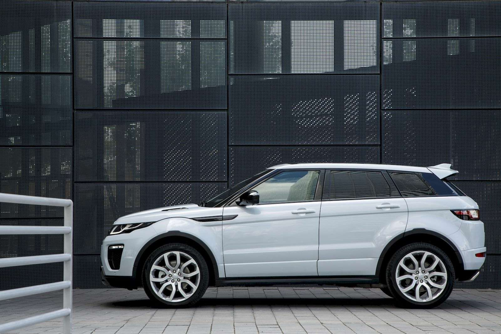 RR_Evoque16MY_4WD_148_result
