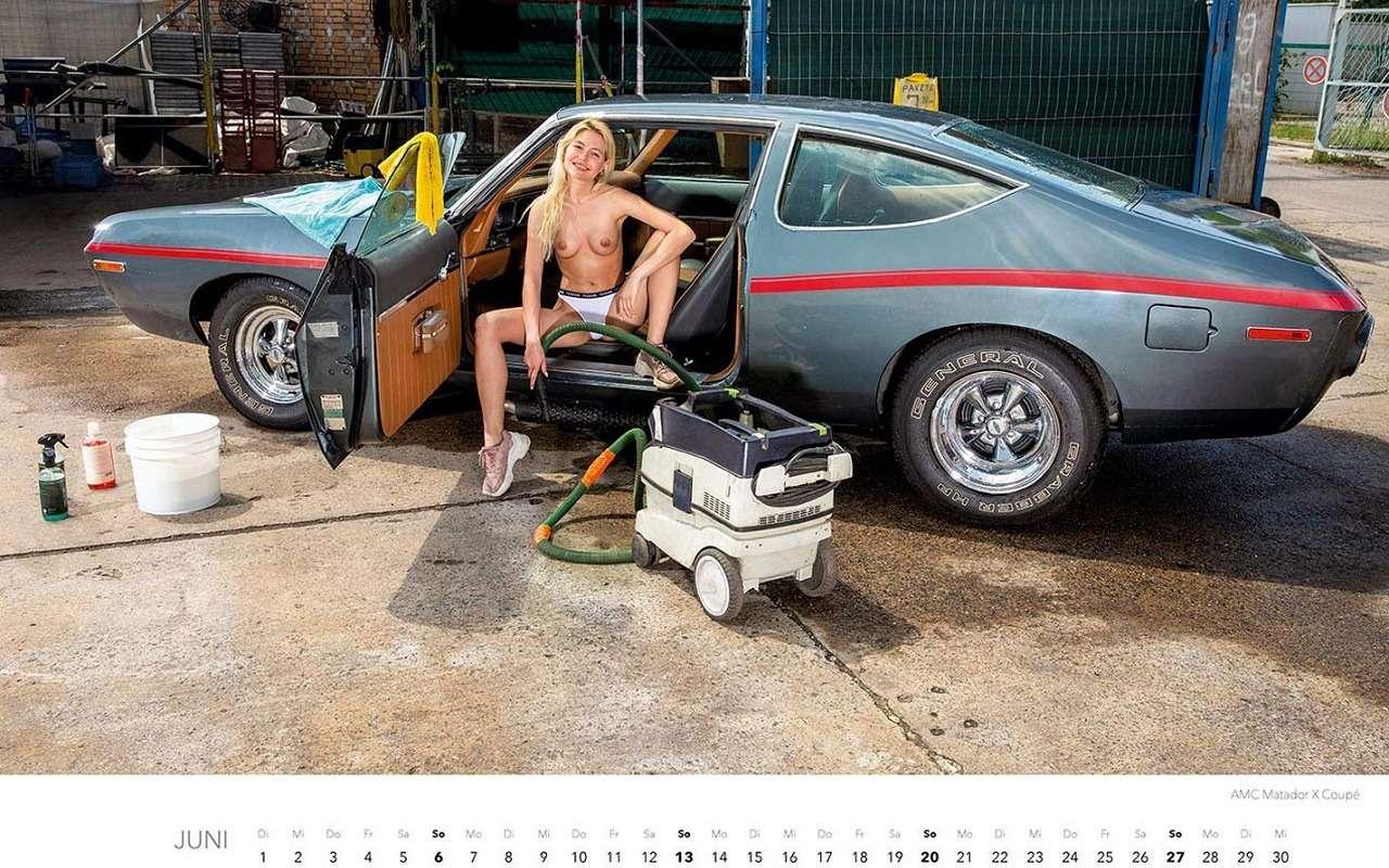 Девушки наавтомойке— пожалуй, лучший календарь 2021 года— фото 1203385