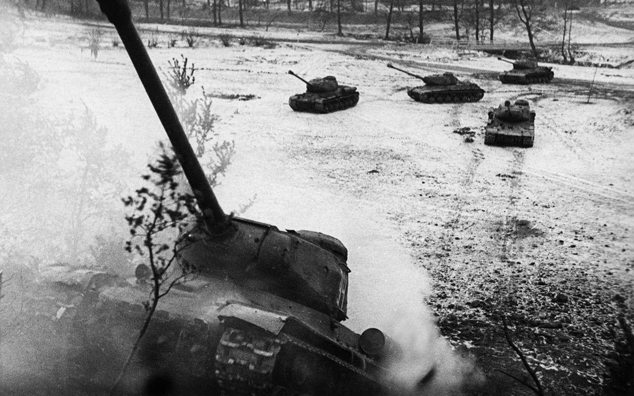 Немецкий «Тигр» против нашего ИС-2— битва технологий— фото 952537
