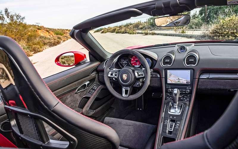Porsche всвоей стихии: тестируем самые мощные версии нагоночном курорте