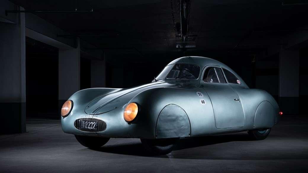 Самый старый автомобиль с надписью Porsche провалился на торгах