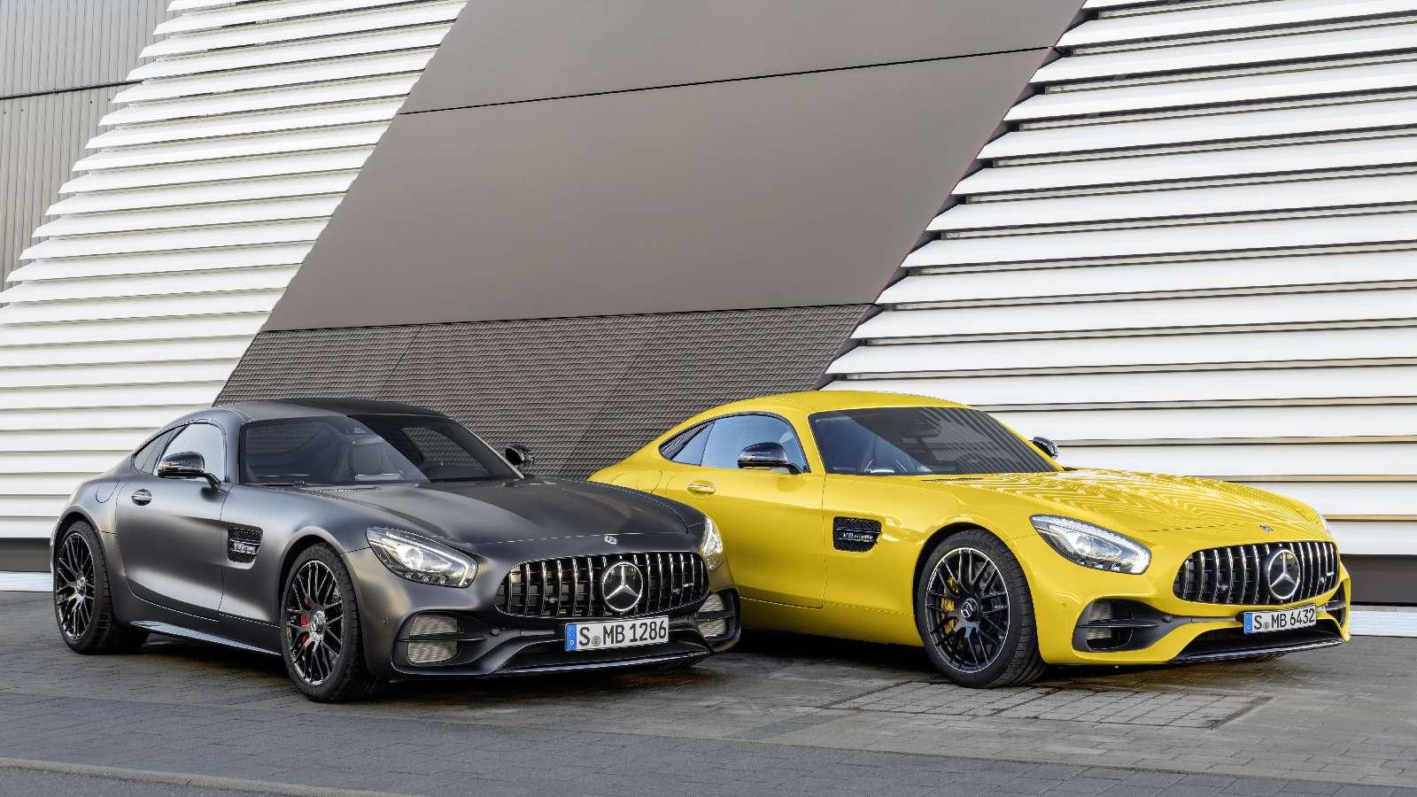 Спорткары Mercedes-AMG GTполучили вчесть юбилея новые «зубы»— фото 690889