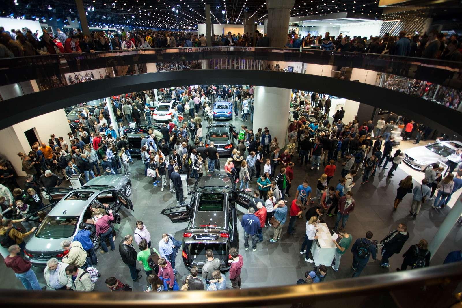 Новый Duster идругие премьеры автосалона воФранкфурте: онлайн-трансляция. Часть 1— фото 793280