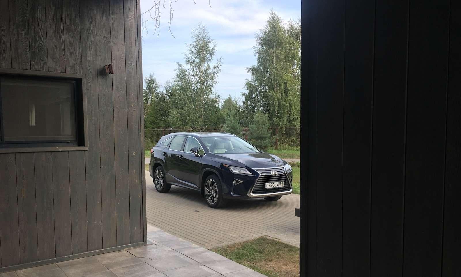 Тест-драйв Lexus RX350L AWD: когда «L»— вовсе не«Long»— фото 915728