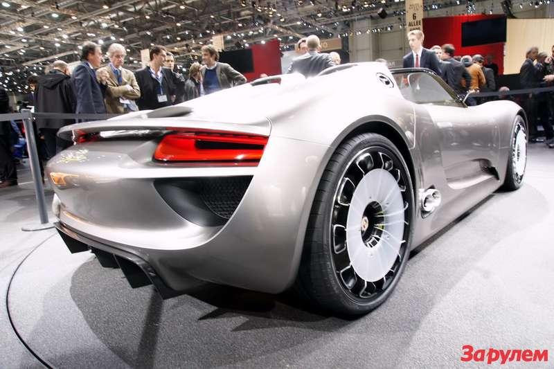 Porsche-918-Spyder4