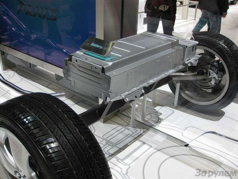Toyota Prius III: Наголодном пайке— фото 92541